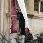 Démontage de la banderole avec Nadir Rajab et Antoine Carlier