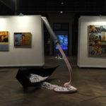 Oeuvres de Maurice Berger, Christine Bouvier Müh et Rossella Genovese, avec en fond la vidéo de 1011. Crédit photo: Joseph Caprio